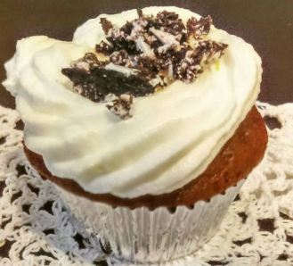 Vanilla Frosting Chocolate CupCake