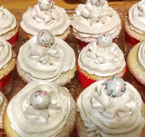 Snow Sparkle Cupcake